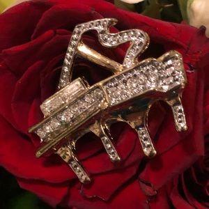 Jewelry - 🔥 BROUCH🔥